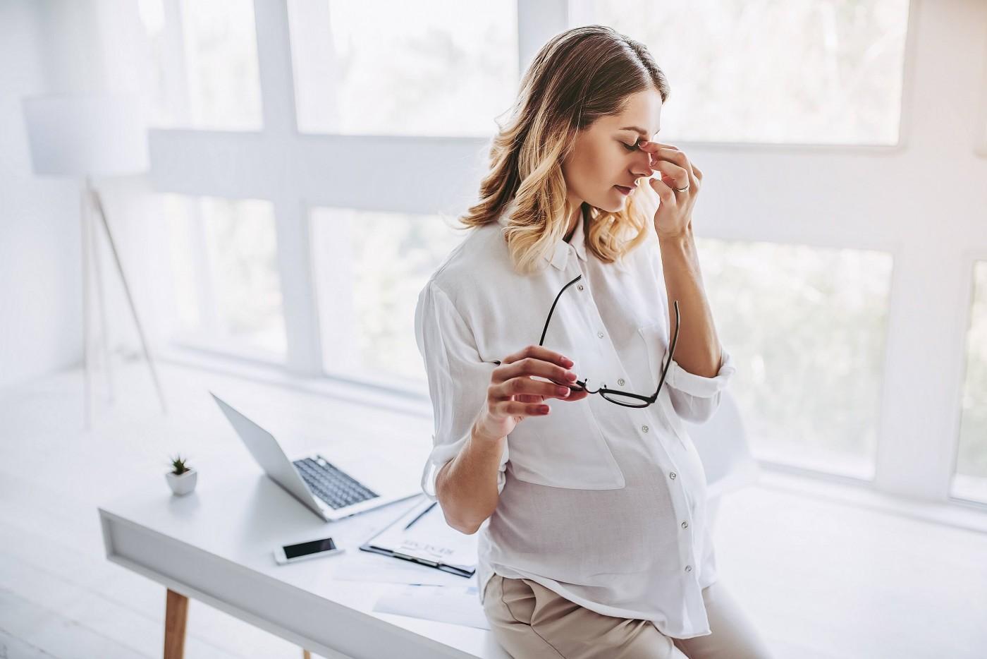 При беременности падает зрение: почему так происходит и что делать?